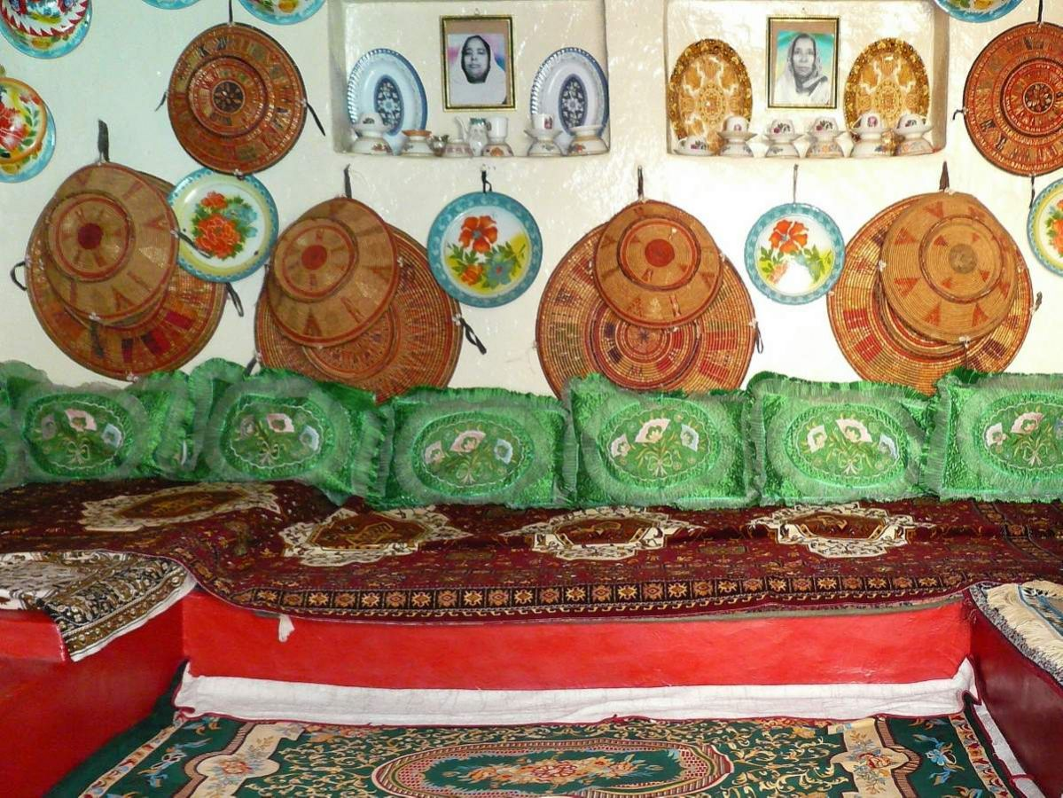 picture description: Harari house, Harar, Ethiopia, culture, history and wildlife with ZenAye Ethiopia Tours, Swiss-African expert in tour operation / photo: Linetta Schneller