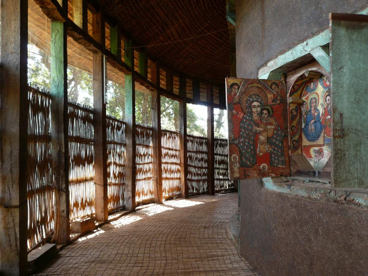 picture description: monastery, church on Lake Tana, Bahir Dar, ancient paintings and murals, culture and history with ZenAye Ethiopia Tours, Swiss-African expert in tour operation / photo: Linetta Schneller