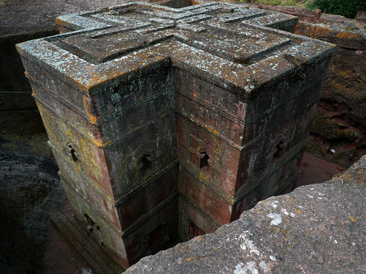 picture description: Bete Giyorgis, Lalibela Rock-Hewn Church, UNESCO World Heritage Site; festivals, culture and history tours with ZenAye Ethiopia Tours, Swiss-African expert in tour operation / photo: Linetta Schneller