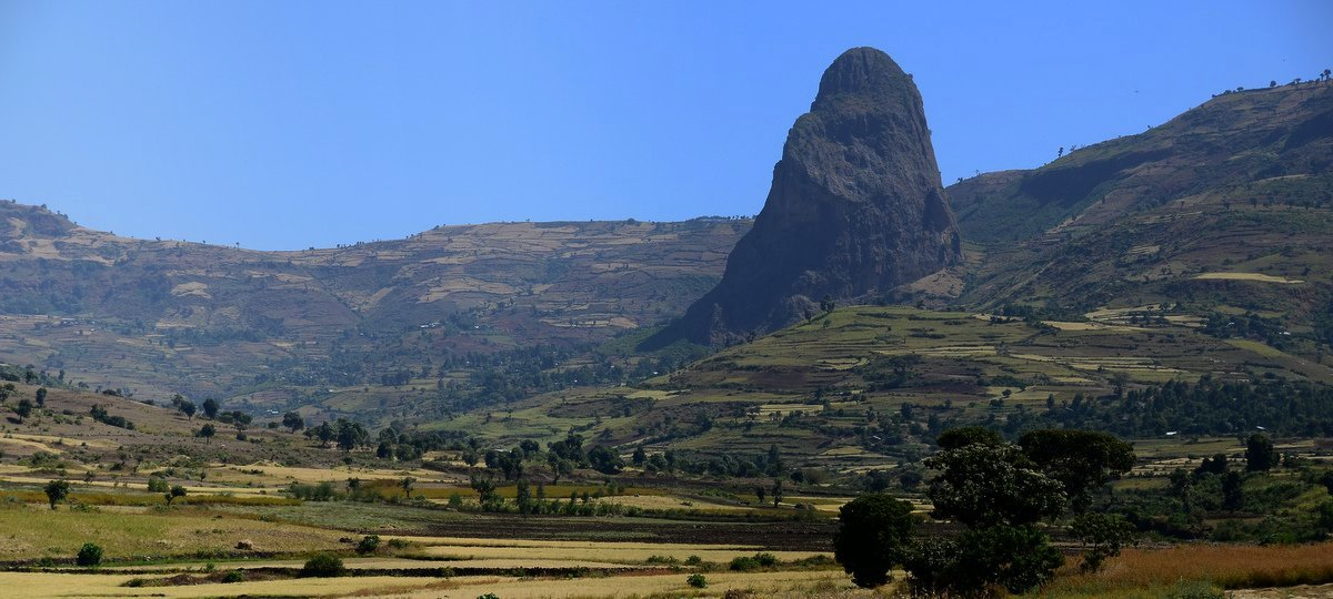 picture description: Africa, Ethiopia, landscape, mountain, Gondar region, travel with ZenAye Ethiopia Tours, expert in tour operation / photo: © Linetta Schneller, Switzerland